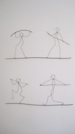 exerciseDrahtobjekte, gehängt, 100 / 75 cm, 2017